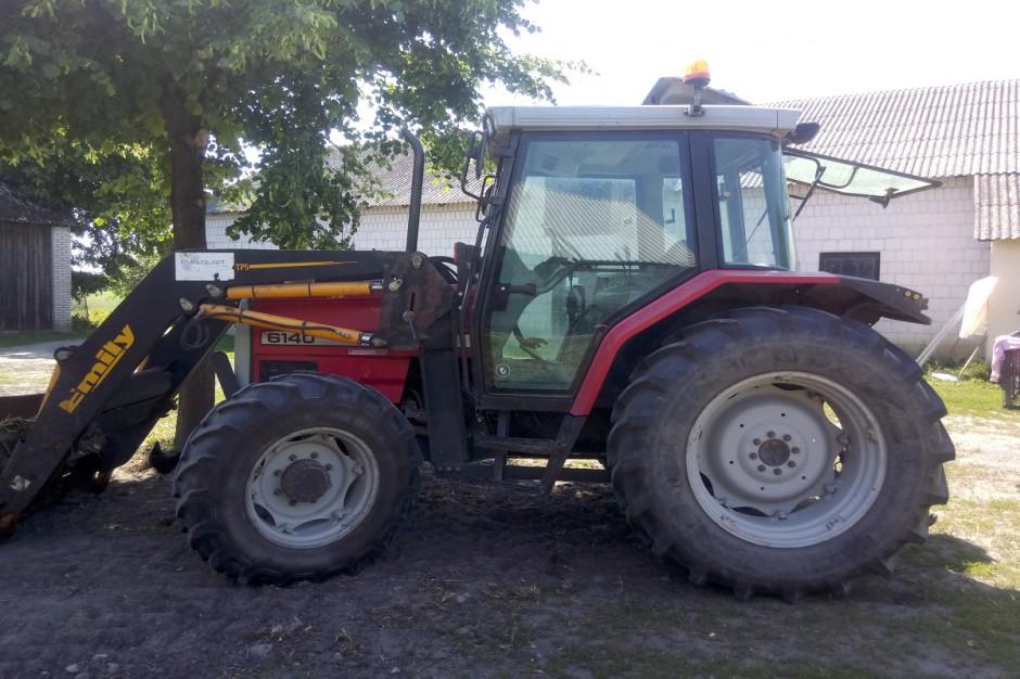 Ciągniki Massey Ferguson 6140 pracuje w gospodarstwie Grochowskich od 11 lat