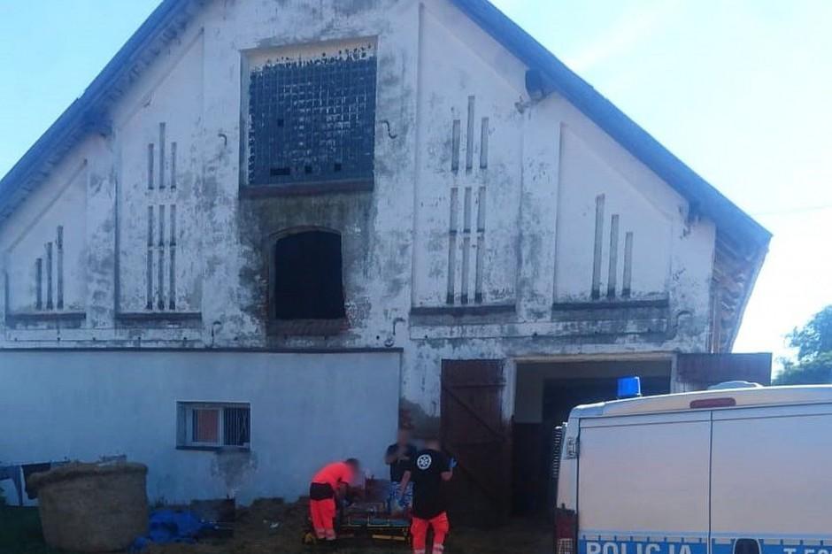 Balot spadł na kobietę z wysokości pierwszego piętra. Foto: Policja