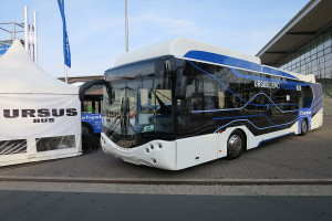 Autobus z ogniwami wodorowymi na targach w Hanowerze; fot. Wikipedia, Autor: Travelarz licencja CC-BY-3.0