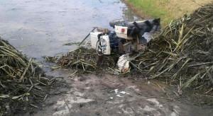 Gospodarze pod traktorami. Jeden rolnik zginął, drugi w szpitalu