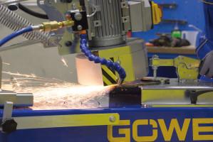 Wyposażenie ostrzarek Granit i Göweil MS100 w system chłodzenia ostrza zapobiega jego rozhartowaniu