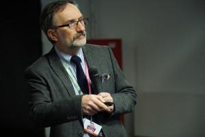 Prof. Kowalski: Można być naukowcem oddanym praktyce