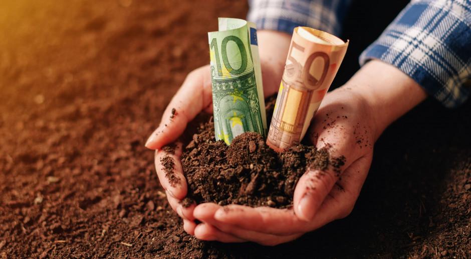 Dopłaty bezpośrednie to 400 plus dla większości rolników w Polsce