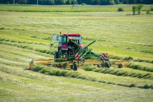 Nowa maszyna może być ciekawą alternatywą dla maszyn zachodnich producentów przeznaczoną dla dużych gospodarstw