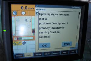 Kalibracja podstawowych zespołów roboczych kombajnu to prosta czynność wykonywana z poziomu monitora sterującego