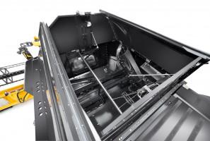 Zbiorniki kombajnów CX8 mieszczą maksymalnie 12 500 l ziarna i są rozładowywane w tempie 125 l/s