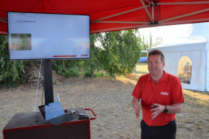 Zdaniem  Iana Beecher-Jonesa ograniczenie ugniatania gleby znacznie przyczynia się do oszczędności, fot.mw