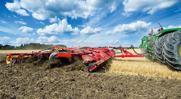 Przegląd agregatów uprawowych w uprawie bezorkowej