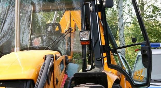 Pijany traktorzysta wjechał na cudzą posesję