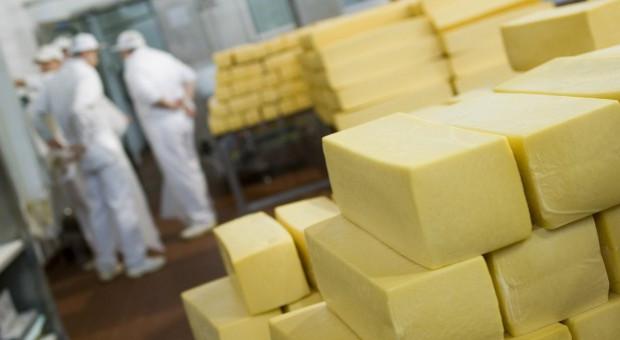 UE: Spadek eksportu masła i mleka pełnego w proszku