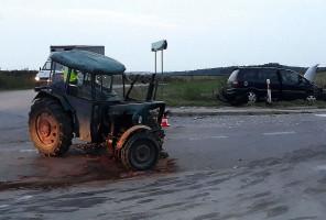 W gminie Godziszów doszło do zderzenia Opla Zafira z ciągnikiem Ursus.