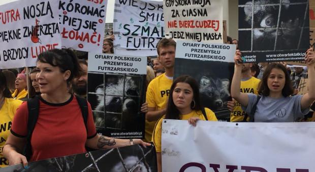 W Warszawie odbył się protest ws. nowelizacji projektu ustawy o ochronie zwierząt