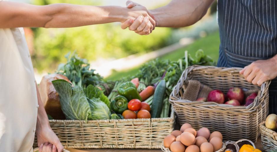 Rząd przyjął projekt ustawy ułatwiającej sprzedaż produktów przez rolników
