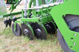 Obecna na Agro Show Centaya wyposażona była w dwutalerzowe redlice TwinTeC