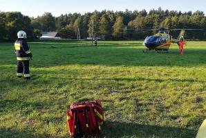 Poszkodowany został śmigłowcem przewieziony do szpitala