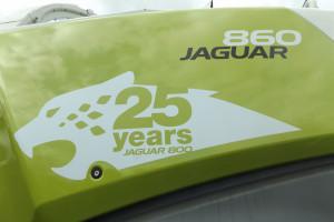 Jubileuszowe oznaczenie sieczkarni Claas Jaguar 860 na 25-lecie produkcji