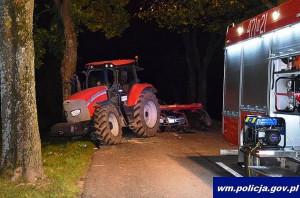 Traktorzysta porzucił pojazd, co doprowadziło do kolejnego wypadku