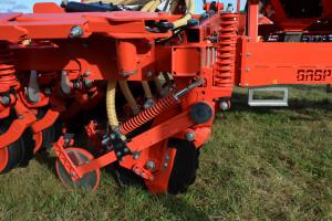 Mechaniczny docisk redlic siewników Gigante wynosi maksymalnie aż 230 kg na redlicę, fot. mw