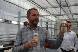 Mike Beesley wskazywał, że w nawozach Yara Vita wykorzystywane są składniki najlepszej jakości; Fot. Katarzyna Szulc