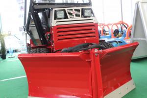 Ventrac 4500Y zasilany jest 3-cylindrowy silnikiem diesla marki Kubota o mocy 25 KM i momencie obrotowym 57 Nm, fot. ArT
