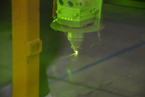 Cieńsze arkusze blach cięte są sa pomocą lasera