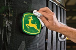 John Deere najcenniejszą marką z branży maszyn rolniczych na świecie