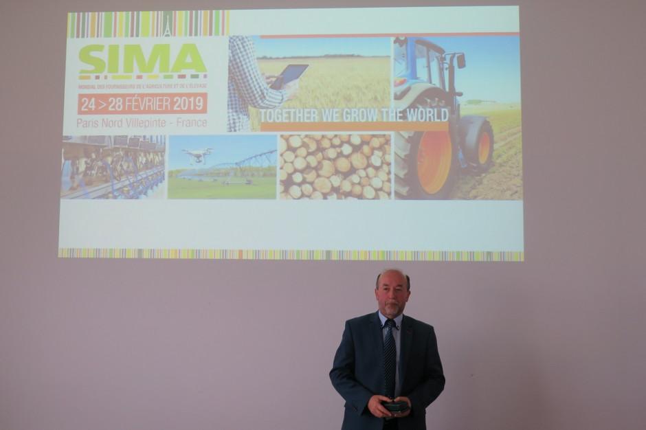 O szczegółach dotyczących targów SIMA podczas konferencji prasowej informował Andrzej Bereda, dyrektor firmy Międzynarodowe Targi Francuskie, która jest przedstawicielem SIM-y w Polsce