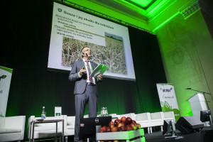 Michael Lösche omówił na konferencji sposoby zarządzania ryzykiem w gospodarstwie rolnym
