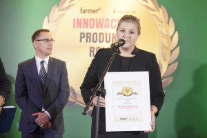 Alicja Dominiak-Olenderek, Brand Communications Manager Poland, CNH Industrial Polska Sp. z o.o. odbiera nagrodę jury za ciągnik Case IH Maxxum Multicontroller z przekładnią Active Drive 8