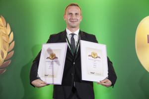 Artur Komorowski, koordynator projektu, Elvita Sp. z o.o. odbiera nagrodę od jury i internautów za produkt Multisa