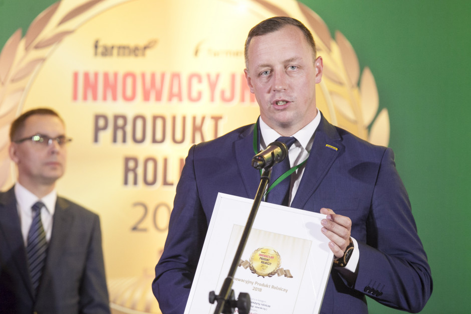 Wyróżnienie jury w kategorii pozostałe maszyny rolnicze przyznane za system IntelliSense w kombajnach CR Revelation odbiera Łukasz Chęciński, Marketing Manager New Holland Agriculture Polska
