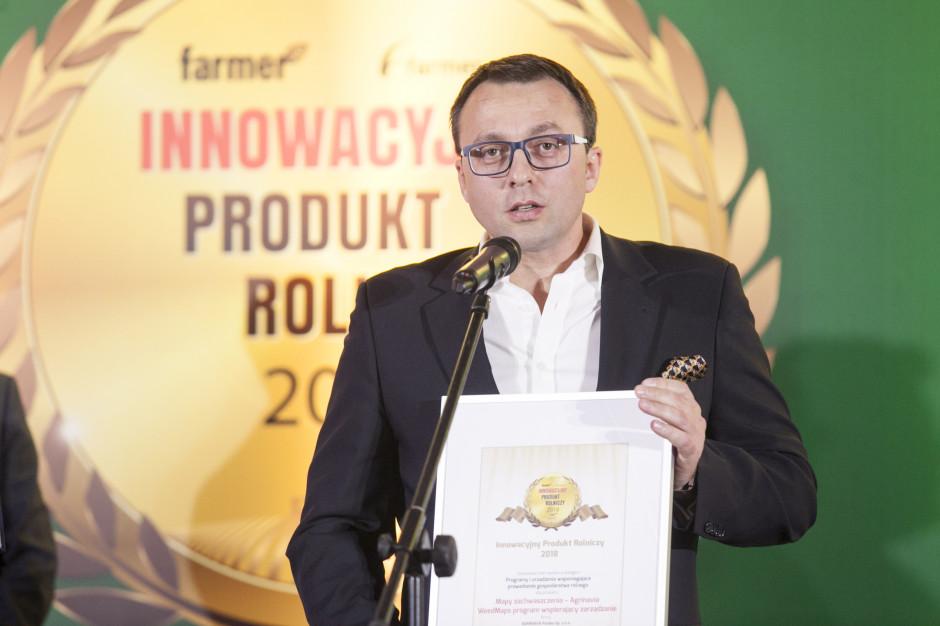 Radosław Ryder, Country Manager i Członek Zarządu, AGRINAVIA Polska Sp. z o.o. odbiera nagrodę internautów za Mapy zachwaszczenia – Agrinavia WeedMaps program wspierający zarządzanie