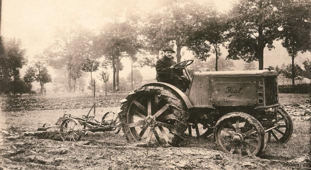 Wiek z ciągnikami Fiata