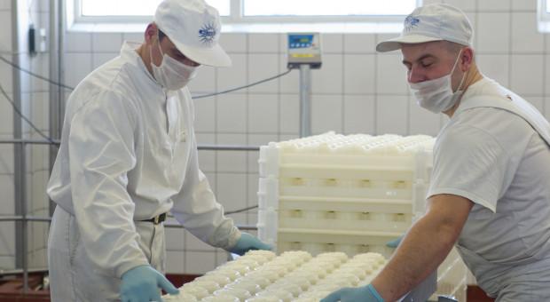 Spadają ceny przetworów mlecznych na świecie