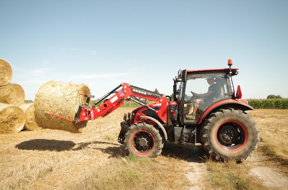 """Ursus C-380 w """"nowym wydaniu"""" zadebiutował na przełomie 2014 i 2015 r. Traktor szybko zyskiwał coraz szersze grono nabywców, stając się jednym z najlepiej sprzedających się modeli ciągników na polskim rynku"""