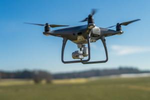 Niemcy: Rolnicy coraz częściej korzystają z dronów