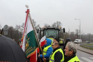 Protest odbywał sie pod flaga Solidarności RI