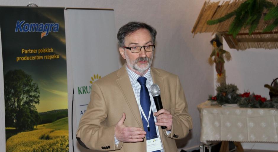 Prof. Kowalski: Śruta poekstrakcyjna rzepakowa lepsza dla krów mlecznych niż sojowa