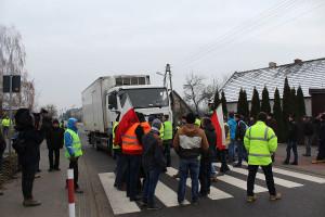 Rolnicza blokada pod Wieruszowem (Relacja i galeria)