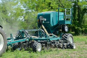 Firma Arbos dopiero wkracza na rynek maszyn uprawowych i od razu proponuje zupełnie nowe, opatentowane rozwiązanie w postaci sekcji wysiewających UST