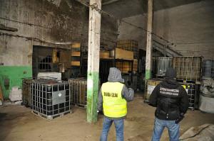 Funkcjonariusze zabezpieczyli też niemal 50 tys. litrów produktów ropopochodnych