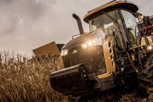 Dobry rok na rynku nowych ciągników i kombajnów w USA