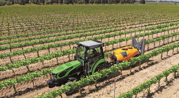 Deutz Fahr 5DS TTV: bogato wyposażony sadownik