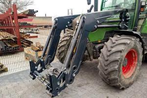 Prototypowy ładowacz z fabryki Spaw-Metu, który wkrótce ma być dostępny w sprzedaży, posiada hydrauliczny system poziomowania
