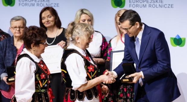 Jasionka: Dziesięć Kół Gospodyń Wiejskich uhonorowane nagrodą im. Józefa Ślisza