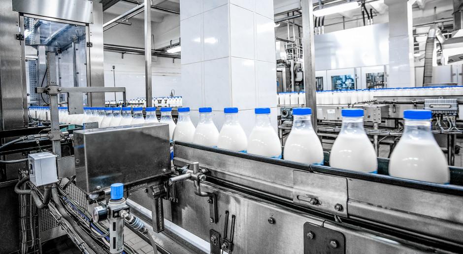 Mleko surowe w skupie w Polsce najdroższe od roku
