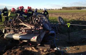 Traktorzysta został przygnieciony przez ciągnik, do którego był zaczepiony siewnik