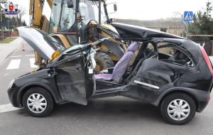 Auto zostało rozcięte przez linę holowniczą