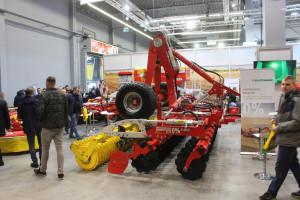 Pöttinger na Agrotechu - maszyny do uprawy orkowej i uproszczonej