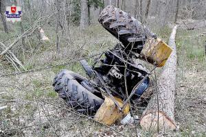 Ciągnik rolniczy przy wycince drzew przygniótł mężczyznę